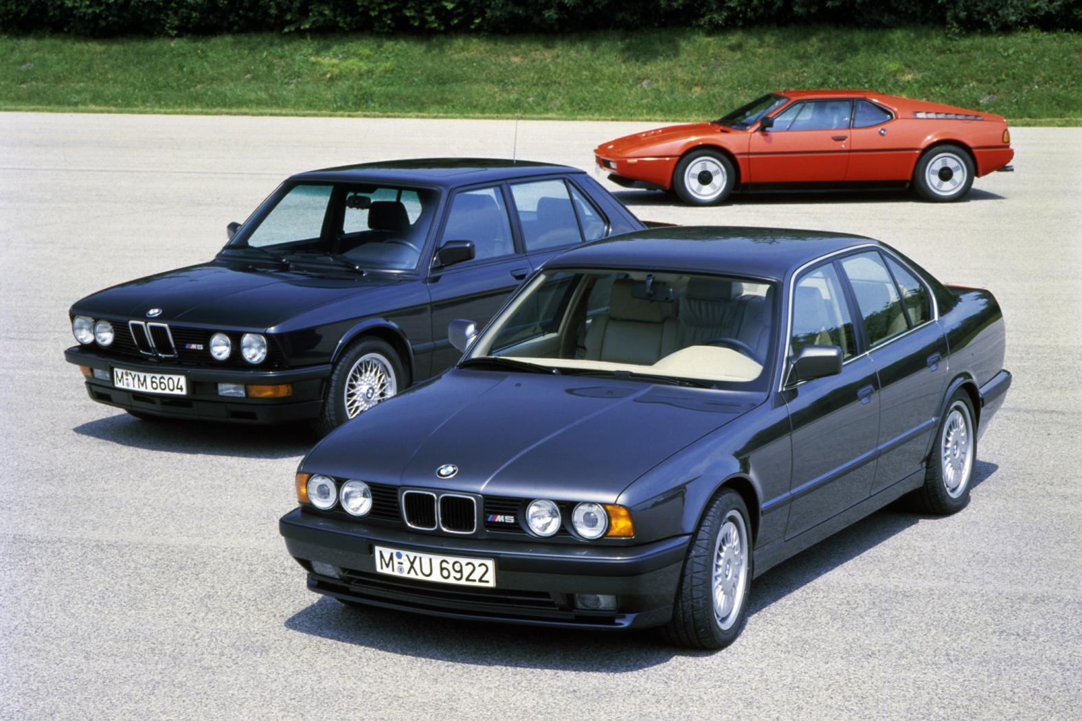 M5-E34-avec-la-M5-E28-et-la-M1.jpeg