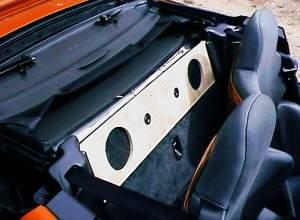 Montage-systeme-de-sonorisation-BMW-Z1.jpg