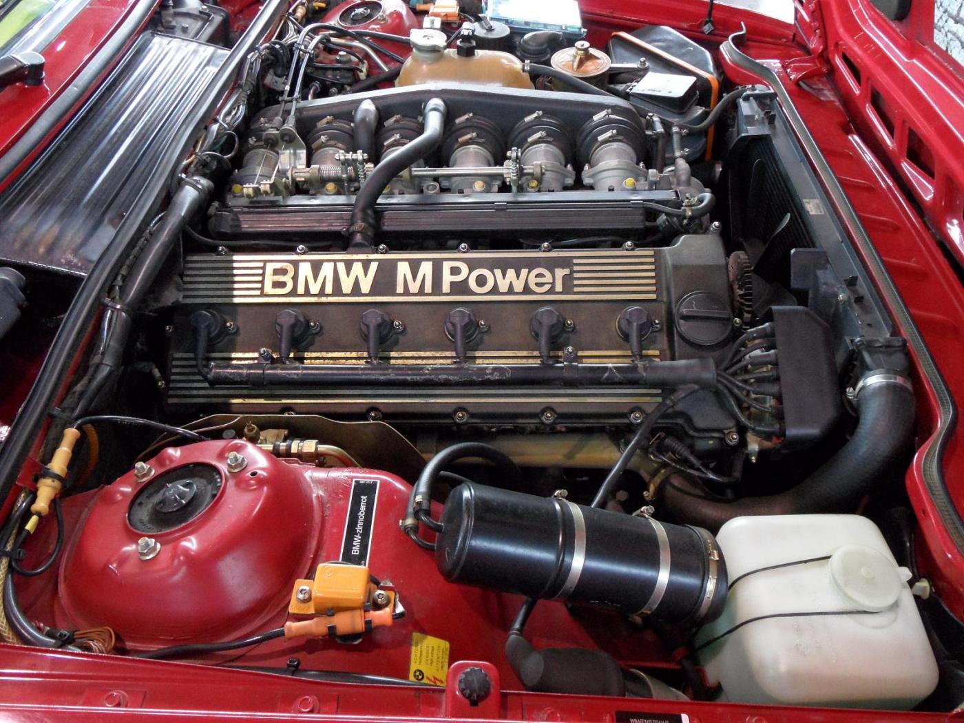 Moteur-M635-CSi.jpeg
