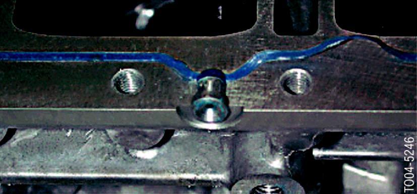 Ouverture-pour-injection-du-liquide-d-etancheite-M5-E60.jpeg