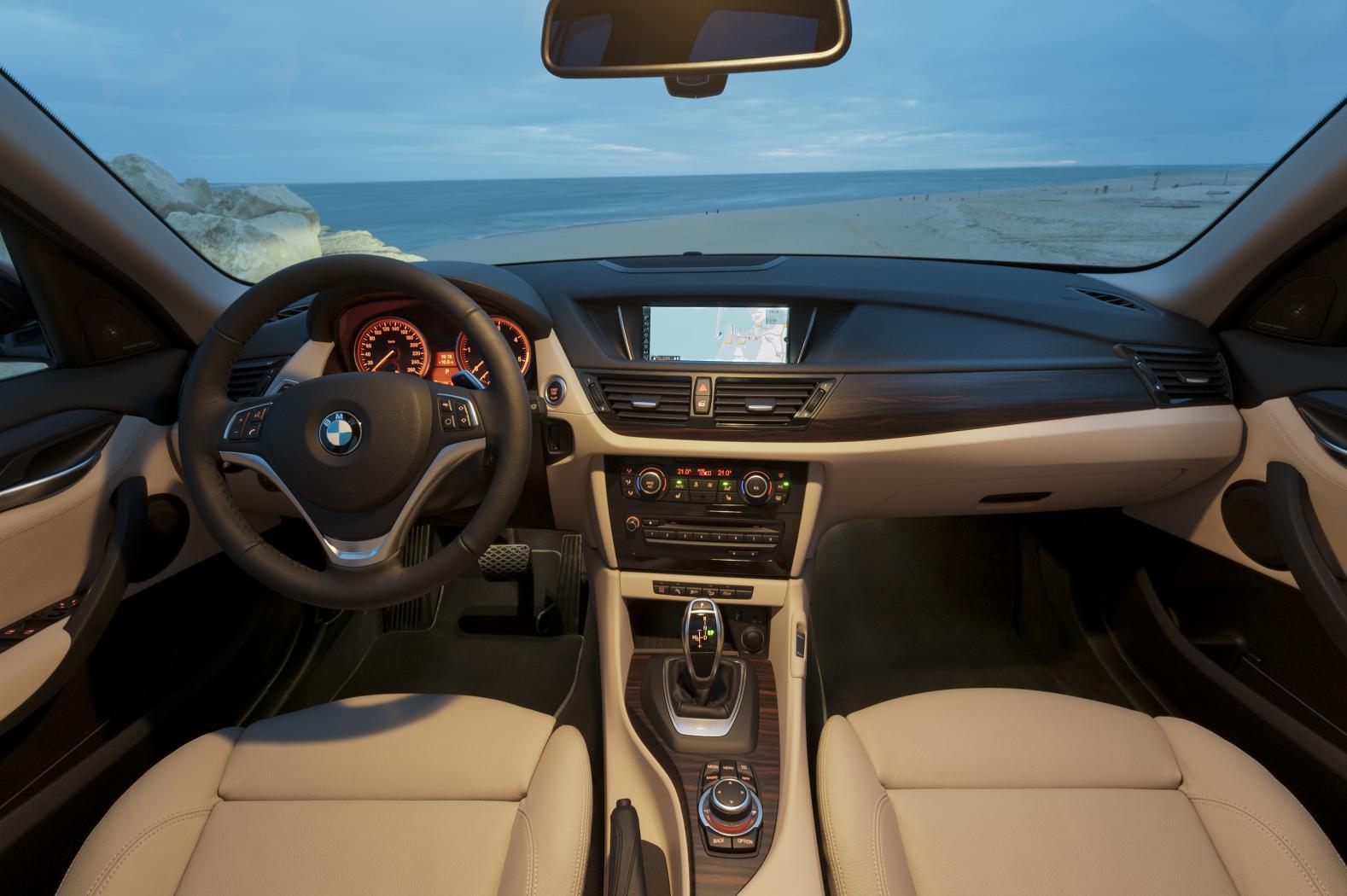Poste-de-conduite-BMW-X1-E84.jpeg