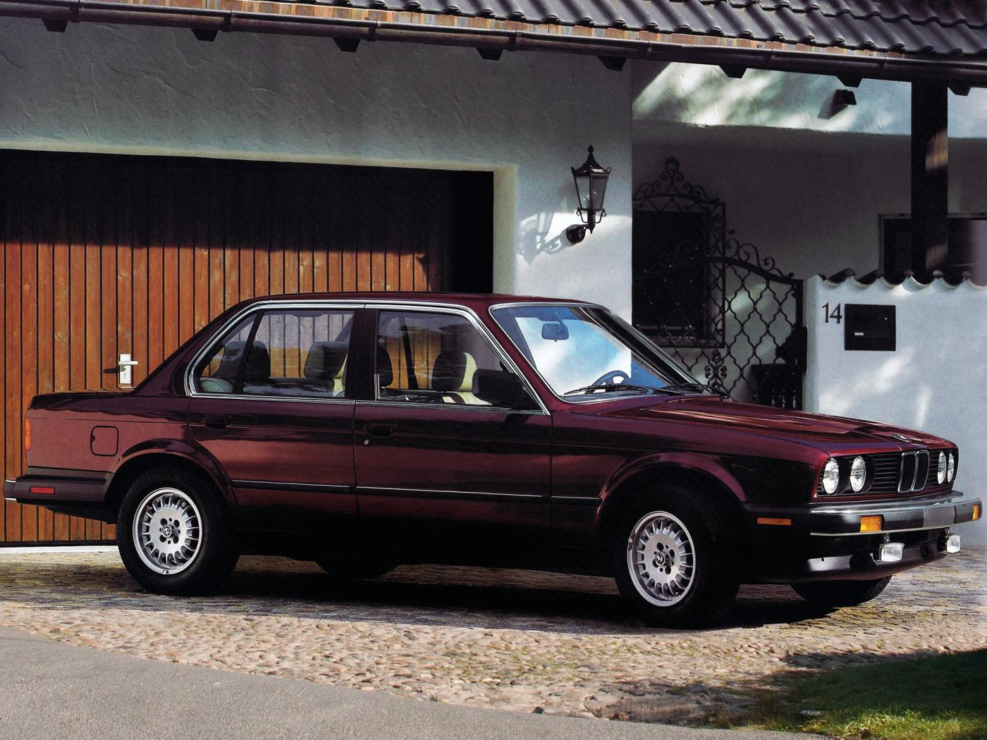 Serie-3-E30-berline.jpeg