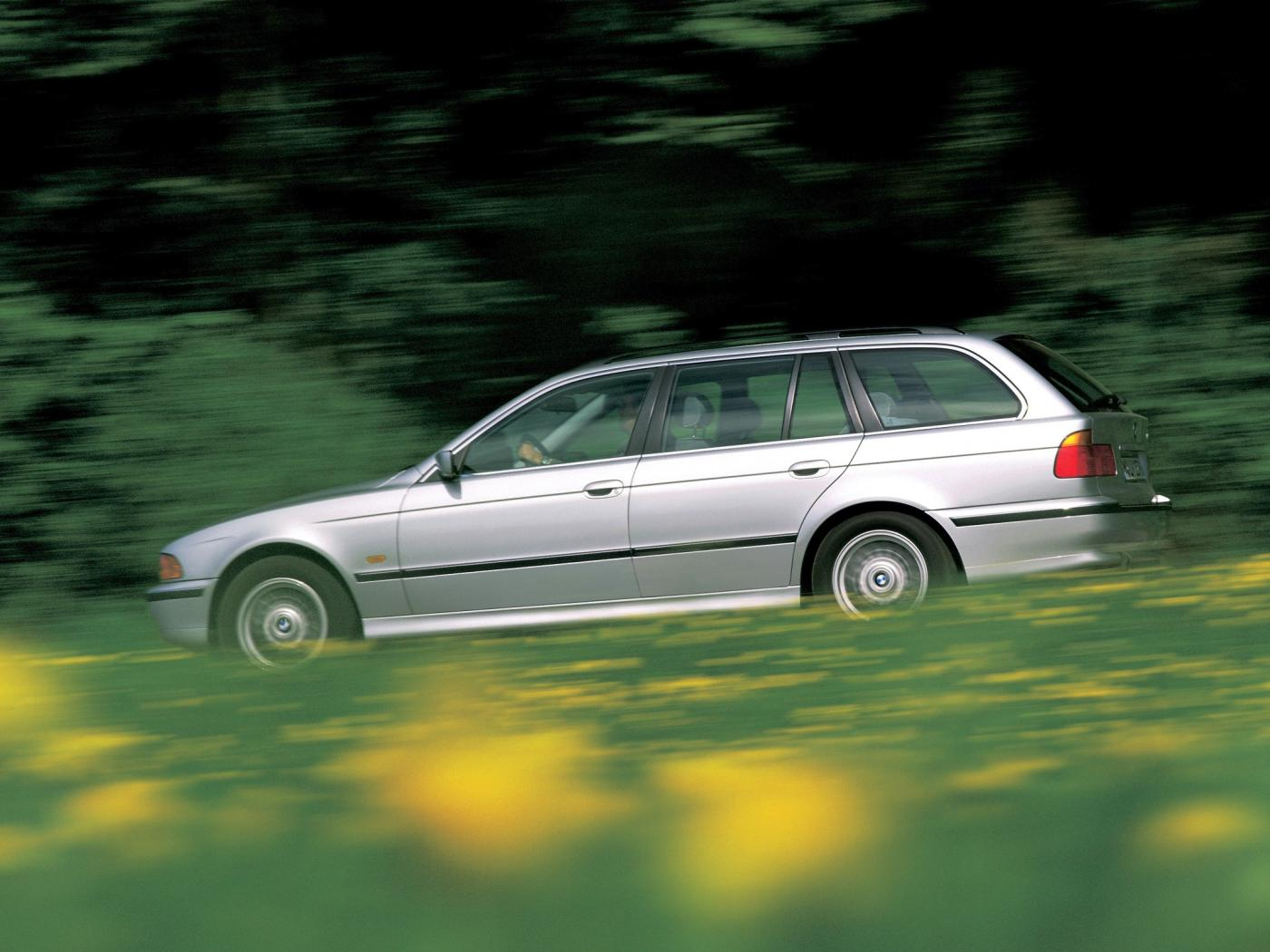 Serie-5-E39-Touring.jpeg