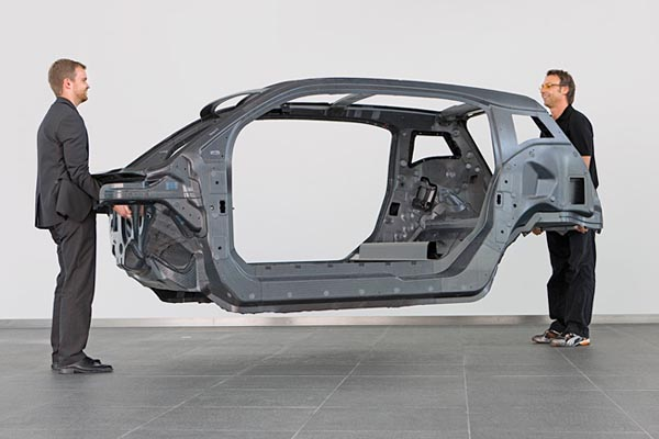 Structure-BMW-i3-en-carbone.jpg