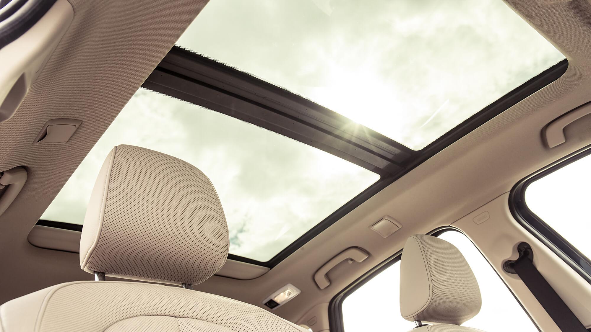 Toit-panoramique-BMW-Active-Tourer.jpg