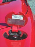 Trappe-de-reservoir-de-carburant-originale-avec-etiquette-BMW-Z1.jpg