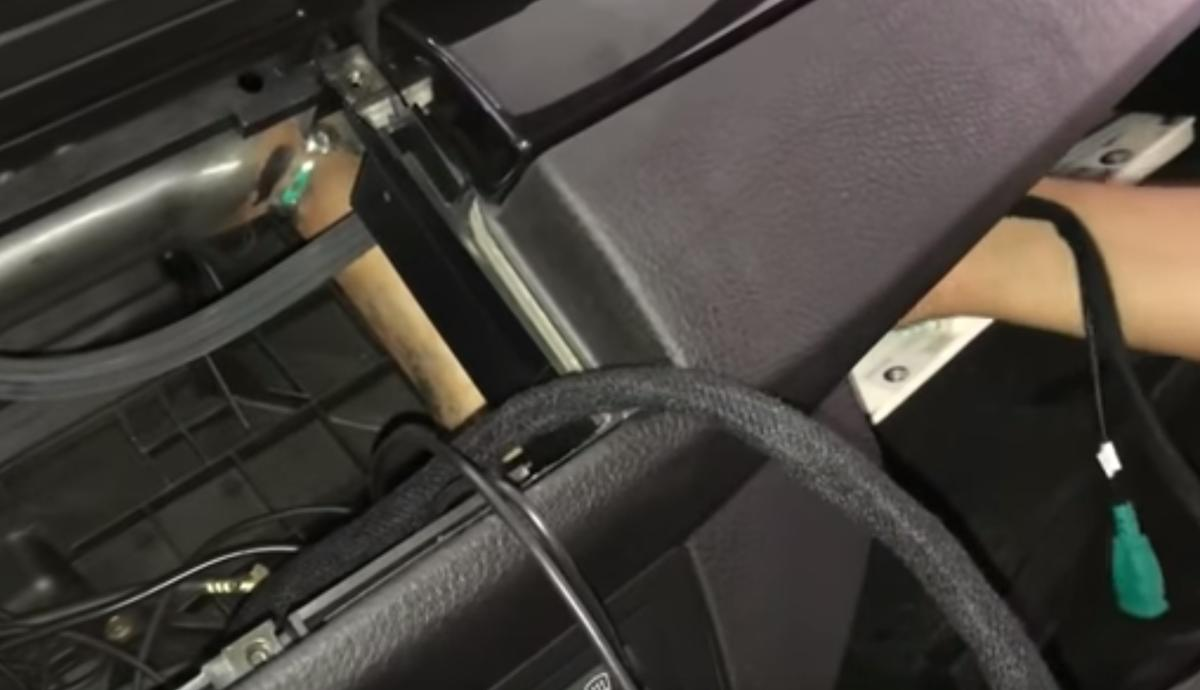 Tuto-Autoradio-Carplay-BMW-X5-E53-4.jpeg