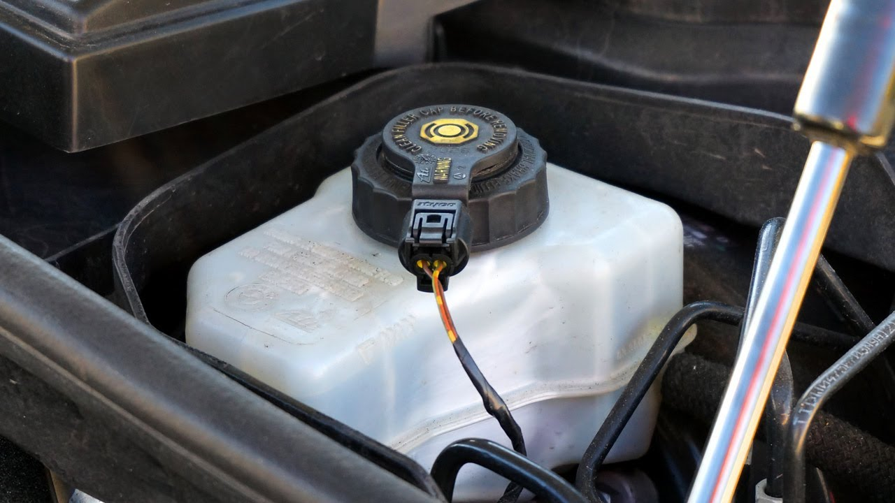 Tuto-remplacement-des-disques-et-plaquettes-de-freins-de-la-BMW-Serie-1-E87-8.jpg