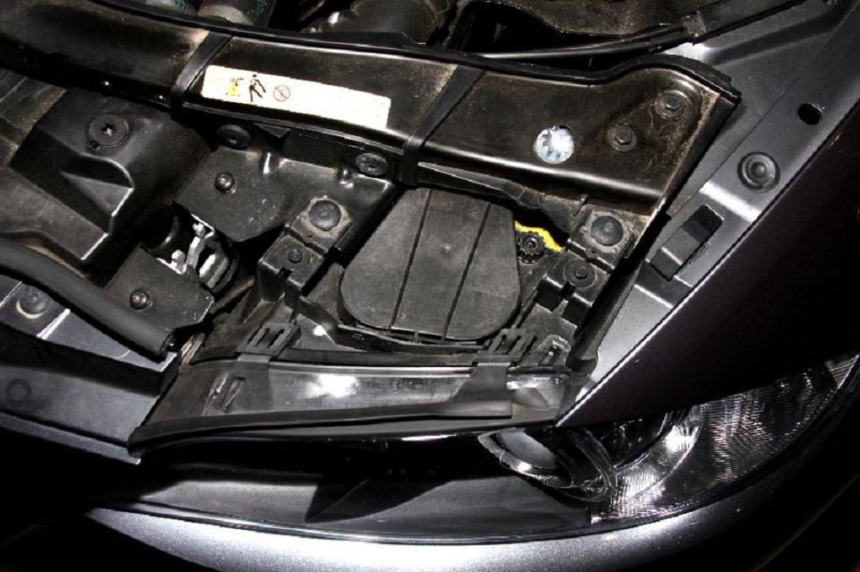 Tutoriel-comment-ameliorer-les-feux-dune-BMW-3-E90--3.jpg