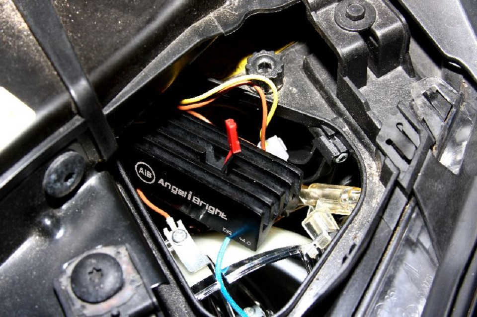 Tutoriel-comment-ameliorer-les-feux-dune-BMW-3-E90--7.jpg