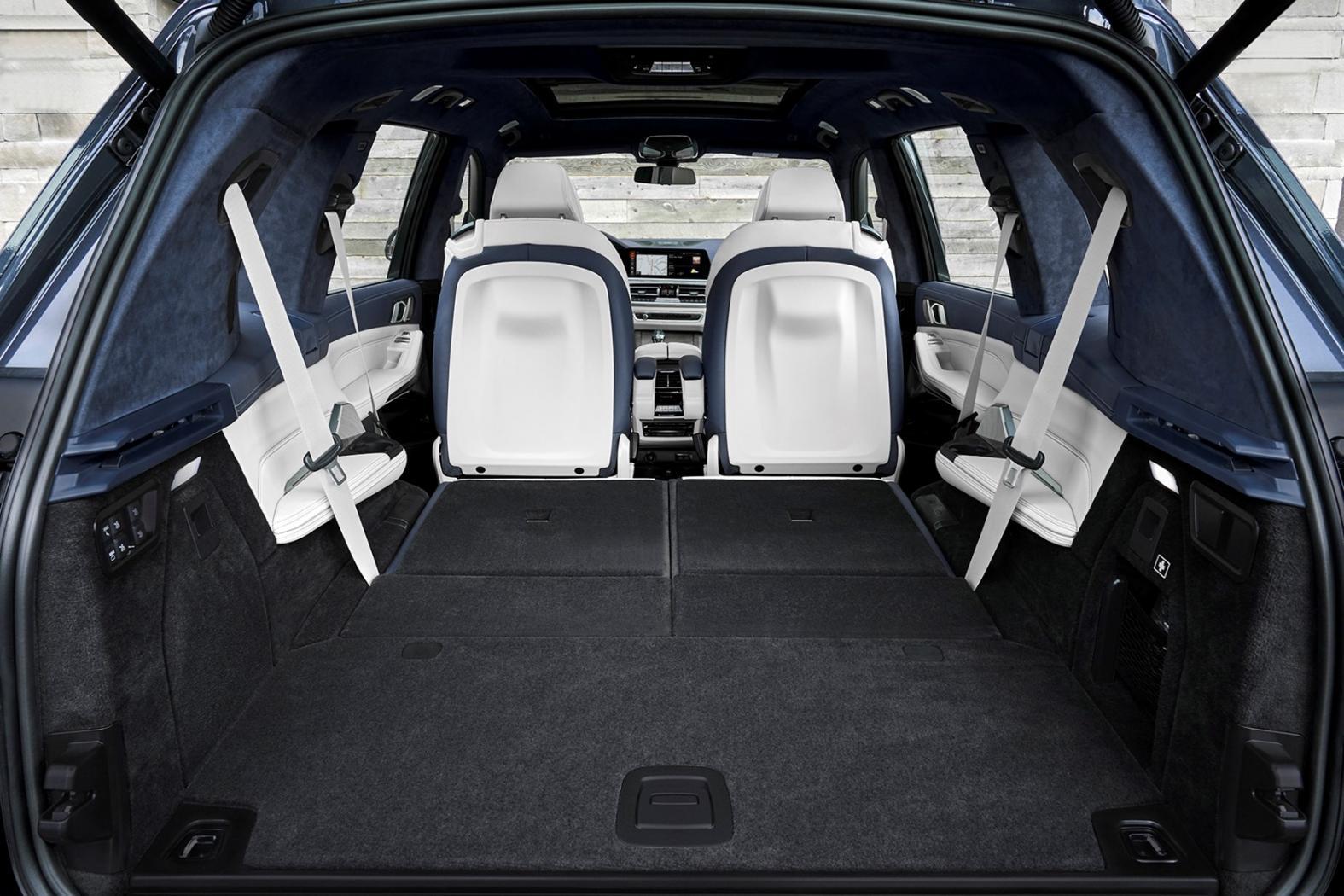 X7-le-nouveau-SUV-XXL-de-BMW-4.jpeg