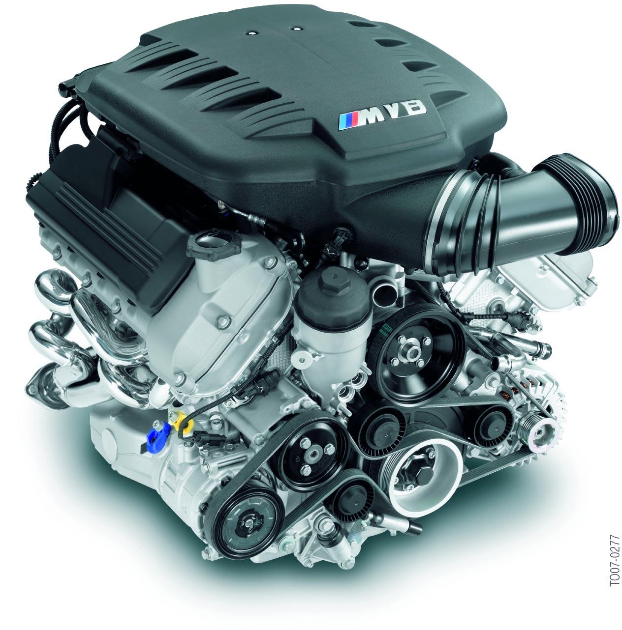 le-moteur-M3-S65B40-vue-avant.jpg